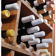 当店の歴史を物語るワインリスト