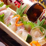 豊洲市場から毎日直送される季節の鮮魚はオススメ!