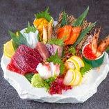 北は北海道,南は長崎まで日本各地の美味しいお魚とお肉を調達!
