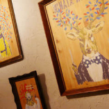 至る所に手作り感溢れるアートが!