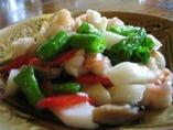 ぷりぷりの蝦のぶつ切りピーマン炒め