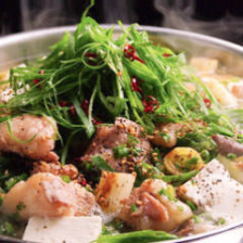 博多の定番料理もつ鍋をどうぞ!