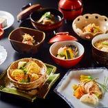 【四季折々のお料理】 大和屋伝統の味とおもてなしをご提供