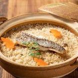 名物土鍋鯛めしはコースでも単品でも注文頂けます。