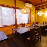 テーブル席(~4名様×3卓)