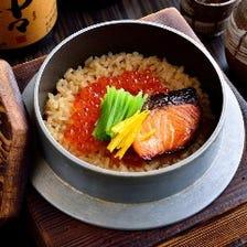 【釜めし】 鮮魚と並ぶもうひとつの看板料理!絶品出汁が香る自慢の〆