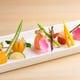 彩り豊かな前菜に、続く料理への期待が自ずと高まる…