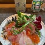 大人気!宮崎「産直鮮魚と北海道いくら、生うにのカルパッチョ」