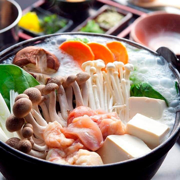 10時間以上煮込んだ特製スープが決め手冬季限定 『名物しろ鍋』