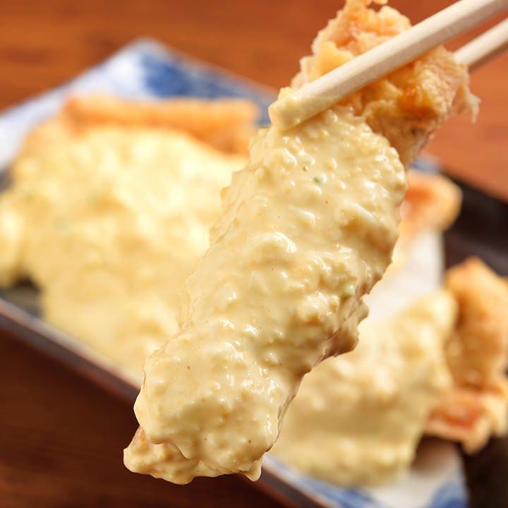「奥三河鶏のわらじチキン南蛮」は自家製タルタルソースでどうぞ