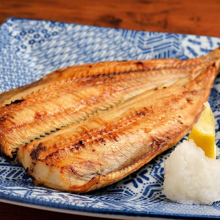 北海道産の肉厚でジューシーな縞ほっけは、酒の肴に最適♪