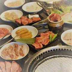 「食べ放題専門店」 焼肉ホルモン 炭火や 牛光