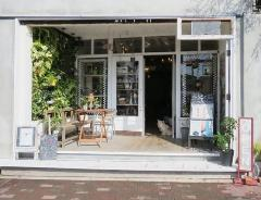 Lifestyle Cafe LANAI
