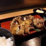 鶏の藁焼き定食