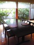 6人掛けのテーブル席