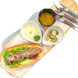 牛肉コツペパン御膳(ポテトサラダ、ピクルス、スープ付き)