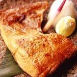 食べ応えバツグン!北洋紅鮭のかま焼き。お酒の友にどうぞ!