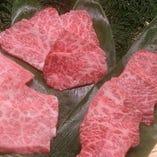 店長イチオシ!「山形牛の盛り合わせ」はその日のおすすめ部位をバランスよく盛り合わせてご提供。3種盛り~6種盛りまで、お腹の好き具合&人数に合わせてどうぞ