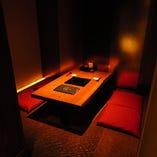 完全個室、半個室をご用意。落ち着いて空間でお食事をご堪能◎