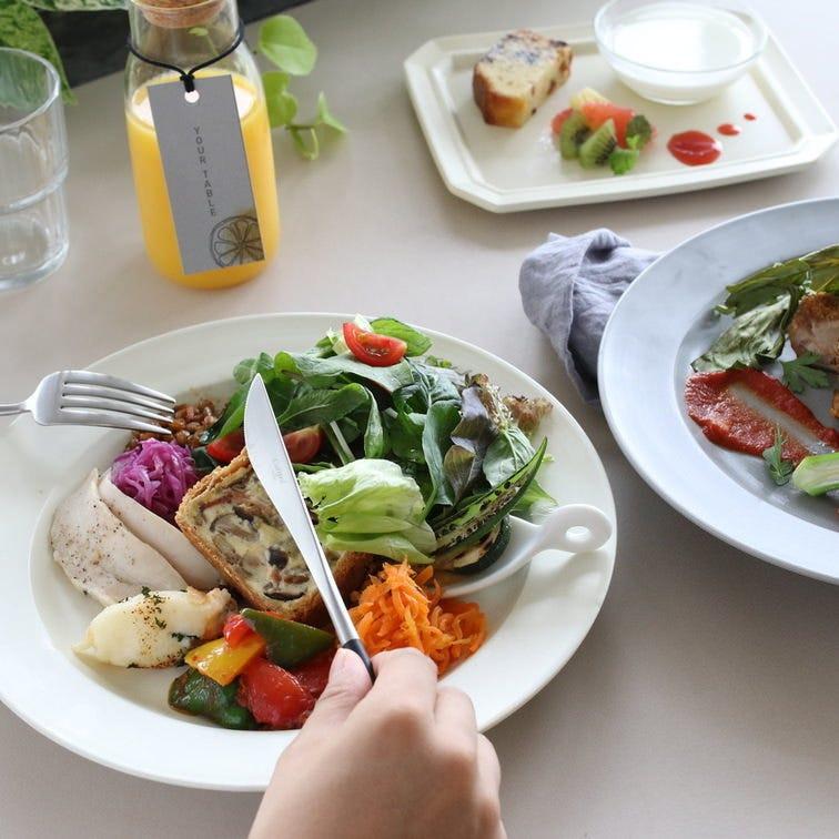 【ランチ】前菜の盛り合わせ + 選べるメイン + 食後のドリンク
