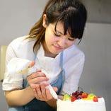 デザートはパティシエが丁寧に作り上げます
