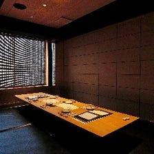 5名様から最大12名様の完全個室です