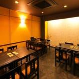 ◆テーブル席 4名様×3 繋げて16名個室にも◎