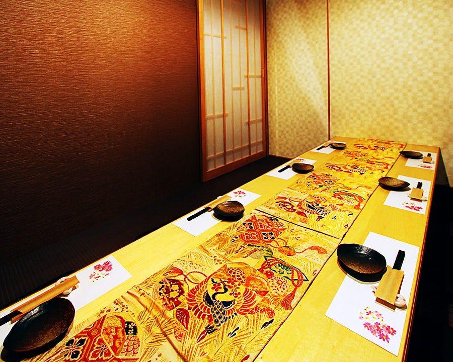 全4室の個室は最大16名まで対応