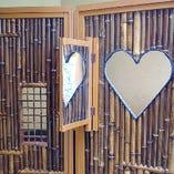 ◆ご婚約の記念にハート屏風をご用意 割烹千代田ならではのフォトブース