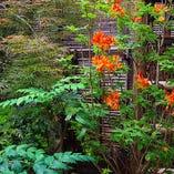 ◆四季折々の花をお愉しみください