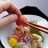 経験豊富な板前が目利きする鮮魚をおつくりでお愉しみください