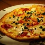 トマトソースピザ
