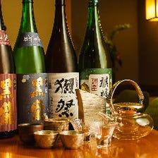 料理に合う地酒は常時10種類以上