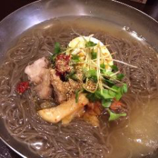 本場の味!平壌冷麺