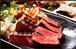 こちらはプレミアムコースのお肉料理特選黒毛和牛のステーキです