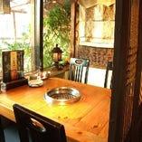 【テーブル個室】4名様⇒韓国格子・暖簾で仕切られたお席