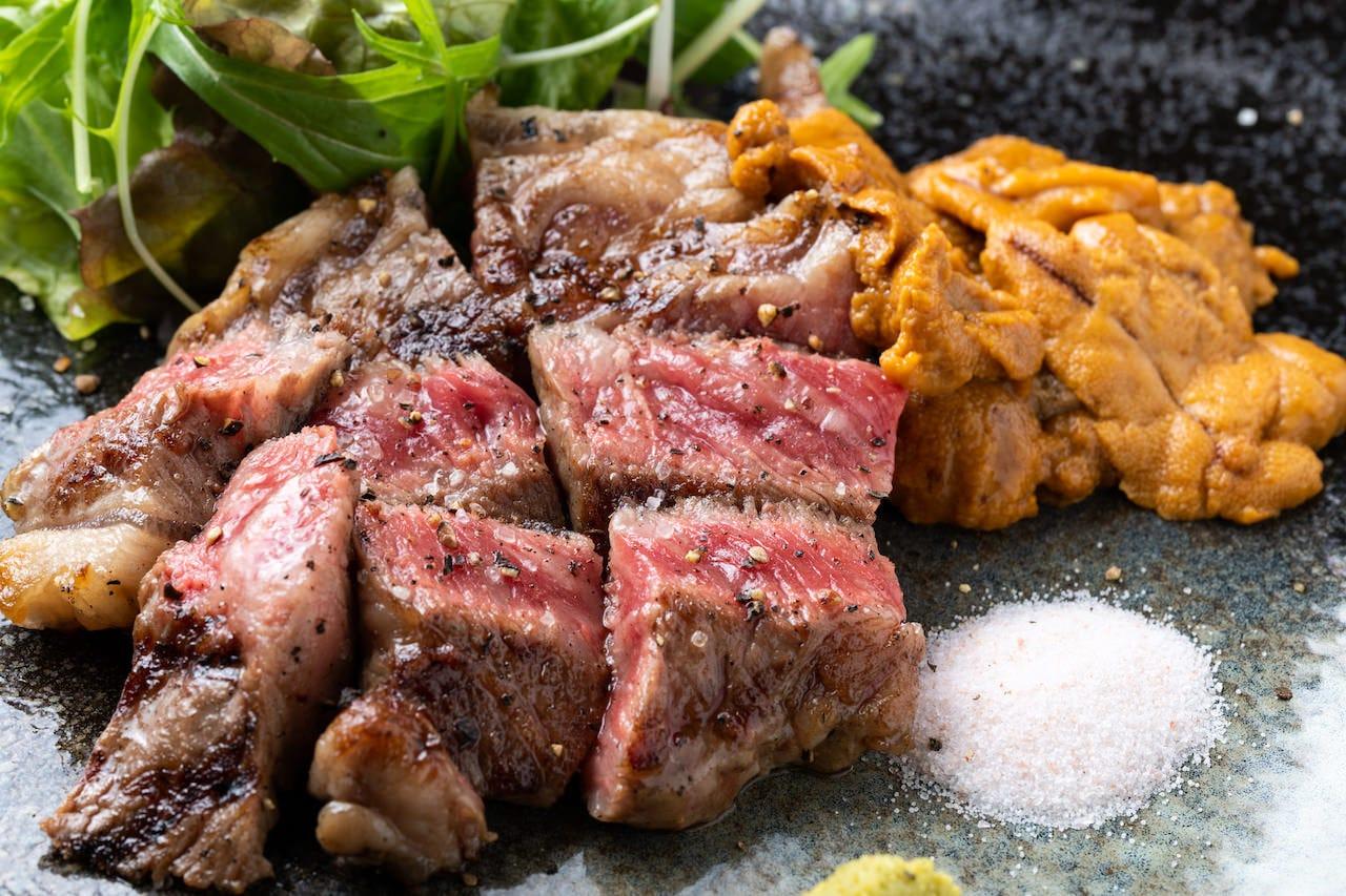 極上肉・熟成肉×大粒濃厚うに お肉バル うに(伊)