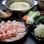 豚肉と刻みネギの食べ飲み放題お一人¥5,000 疲労回復に!!