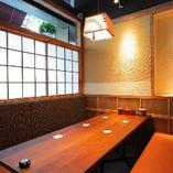 【半個室】はランチタイムのご予約可能です。土日にはお子様連れのお客様にも人気のお席です。