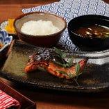 〈ランチ〉焼き魚定食