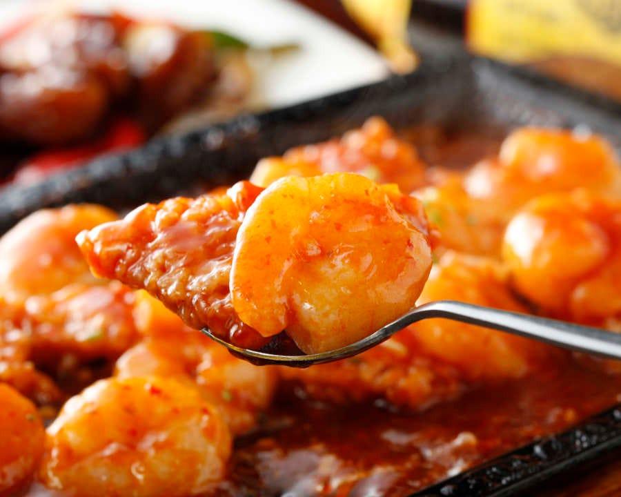 刀削麺や麻婆豆腐はもちろん、食材を活かした本格中華料理が並ぶ