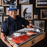 魚の宝庫・駿河湾。昭和57年創業の卸から最短で当店に届きます