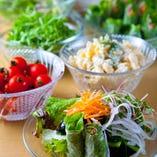 自慢サラダバー契約農家から産直・新鮮旬菜野菜使用【兵庫県】