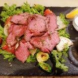 信州野菜と低温調理の柔らかローストビーフ