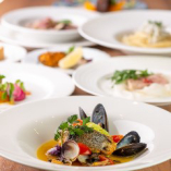 季節によって仕入れ内容が異なる鮮魚料理は旬を感じられる一皿
