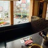 [アクセス良好◎] JR新宿駅より徒歩3分◇新宿大ガード交差点