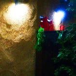 洞窟のような雰囲気がする通路です。