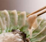 ▼ふぐの美味しい季節です!雑草庵自慢のふぐ料理!定番のふぐ3品は刺身、唐揚げ、鍋。コリコリとした食感と独特の旨みの〝ふぐ〟!この機会にぜひご賞味下さいませ。