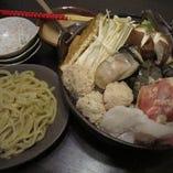 """""""絶品ちゃんこ鍋"""" 出汁にこだわった伝統のちゃんこ鍋をご堪能"""