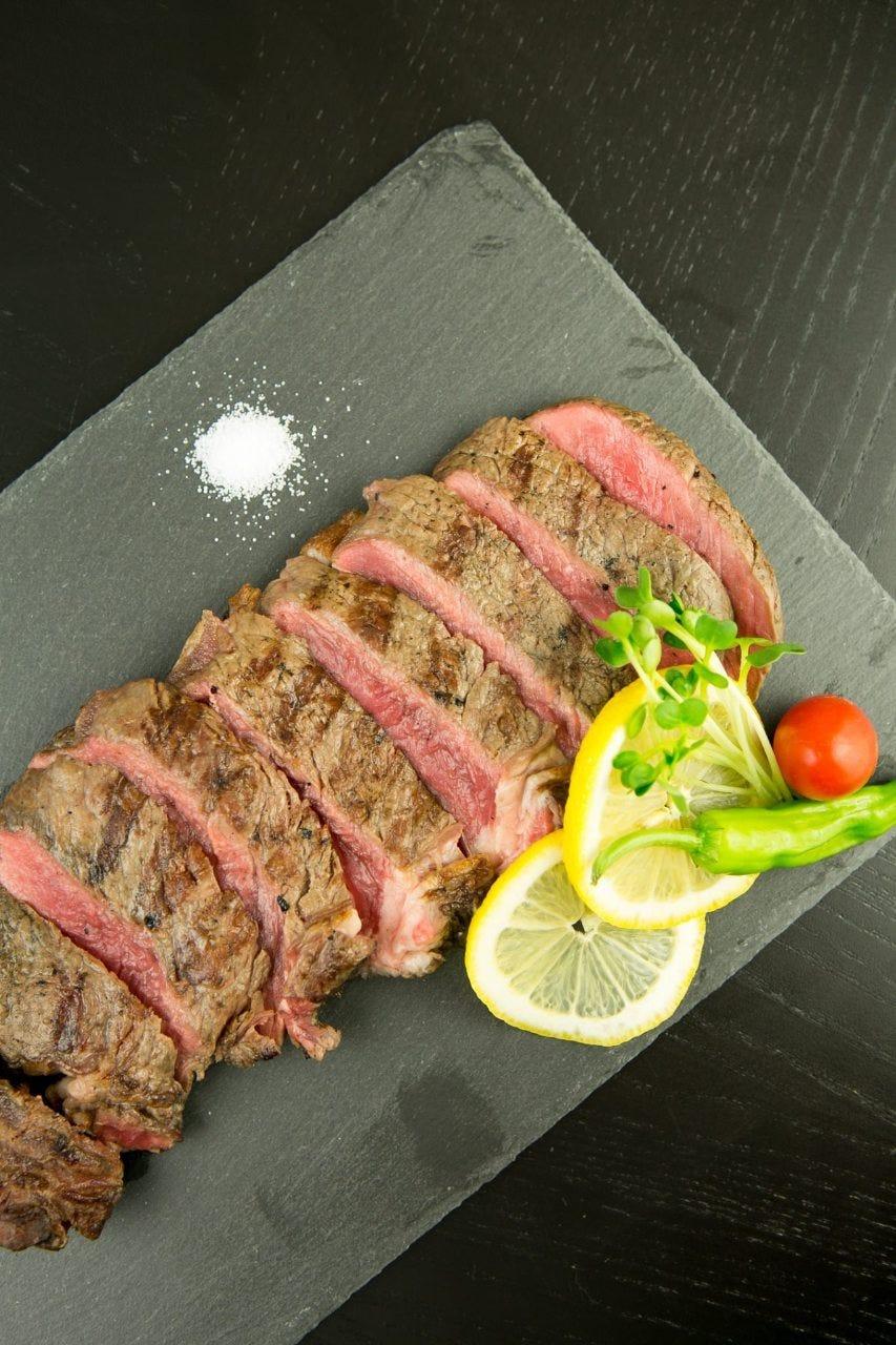 お肉好きな店主がじっくり調理